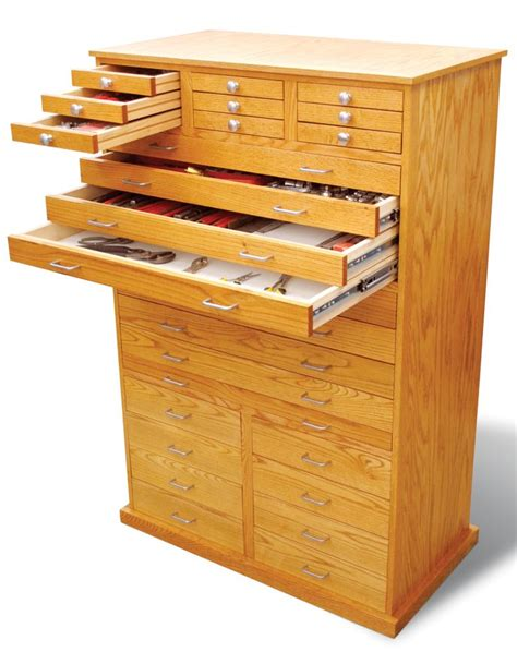 Wooden Tool Chest With Drawers Plans by Best 25 Woodworking Shop Ideas On Wood Shop