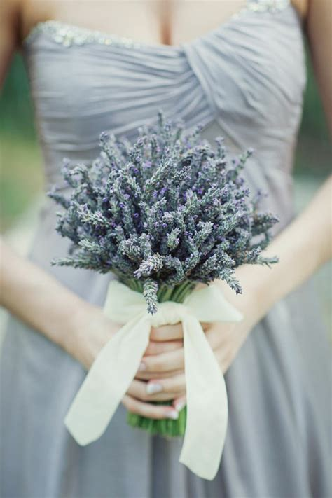 Wedding Bouquet Tradition by Wedding Traditions Why Do Brides Hold Wedding Bouquets