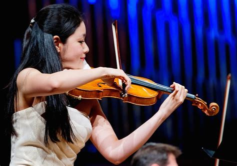 Mai Suzuki Adventski Koncert Splitskih Virtuoza I Mai Suzuki Pod