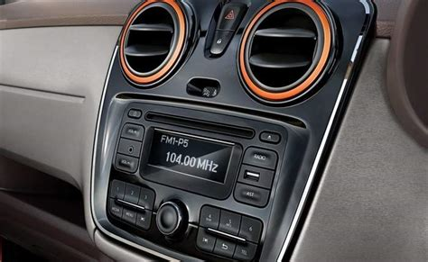 renault lodgy interior renault lodgy price in mumbai get on road price of