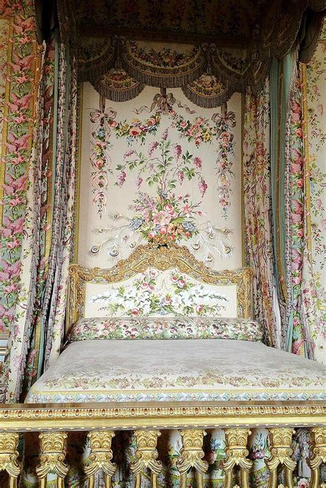 marie antoinette bedroom marie antoinette s bed palace of versailles by erikau