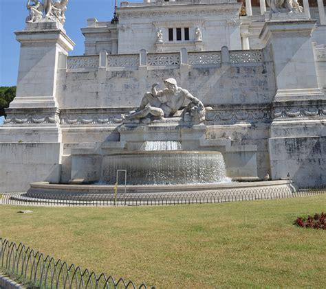www dell adriatico it file fontana dell adriatico vittoriano roma jpg
