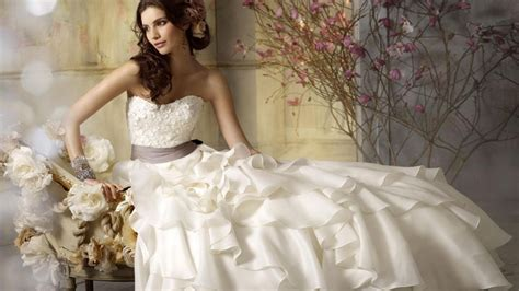 Wedding dress prom dress and all kinds of beautiful skirt