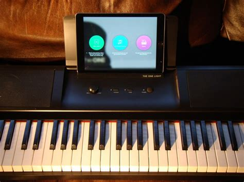 the one light keyboard review the one light smart keyboard teaches you piano