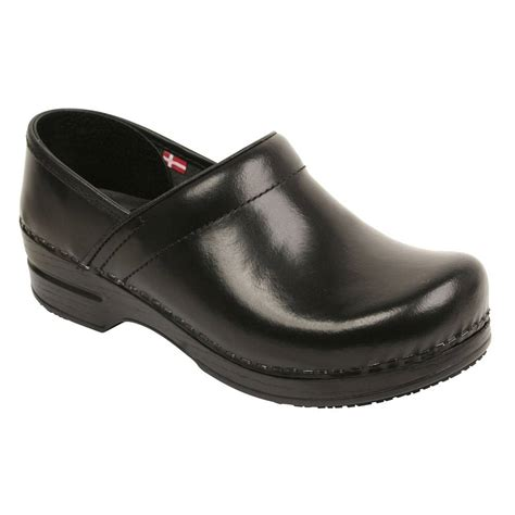 slip resistant clogs for sanita womens professional slip resistant clogs