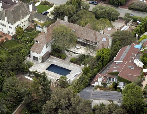 celebrities houses jennifer aniston in celebrity homes zimbio