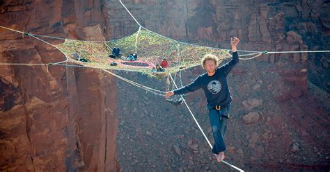 Www Handmade - daredevils put a handmade net 400 ft up and 200 ft from
