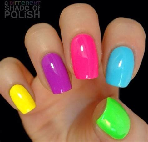 neon color nails 21 neon nails for 2017 cherrycherrybeauty