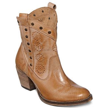jcpenney cowboy boots pin by becky mcgregor on my style