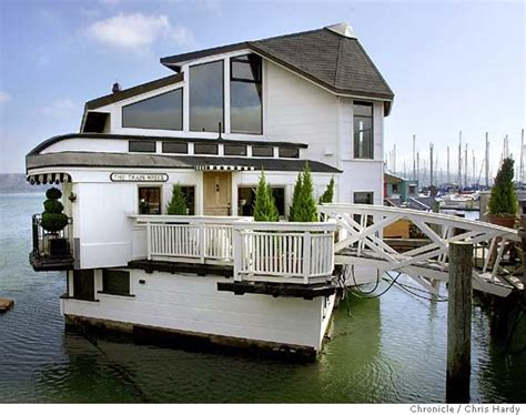 boat house builders floating on a houseboat dream mosey
