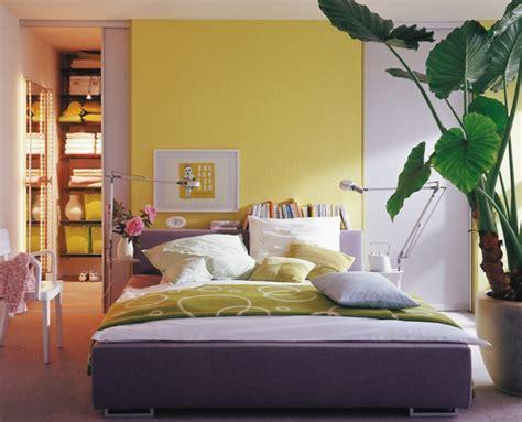graues und gelbes schlafzimmer schlafzimmer einrichten graues bett m 246 belideen