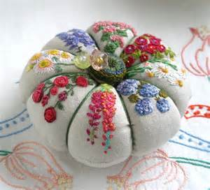 Pin Cushions 596 Best Images About Pin Cushions And Pin Keeps On