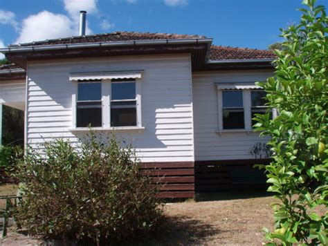 exterior color scheme for our 1940 s weatherboard terracotta tiled roof house in australia