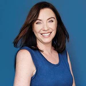 stephanie courtney net worth get stephanie courtney net stephanie courtney wiki affair married net worth age
