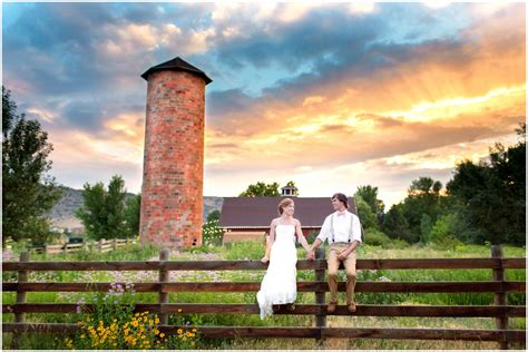 Colorado Barn Wedding Chatfield Botanic Gardens Wedding Botanic Gardens Chatfield Wedding