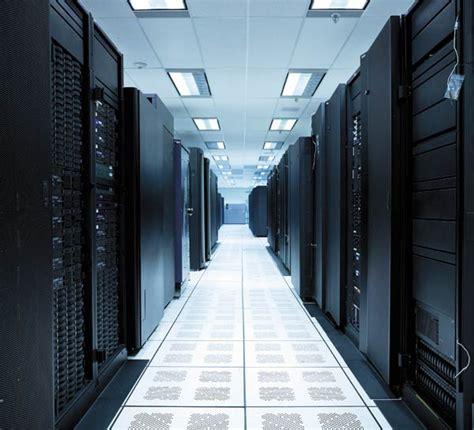 amazon server amazon data center damage thousands site down kiibord