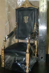 Tony Montana Chair by 1 6 Blitzway Figure Scarface Tony Montana Chair