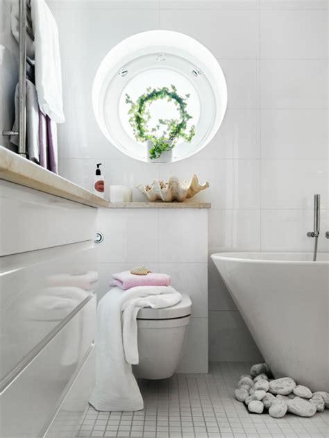 badezimmer deko vasen baddeko dezente doch charaktervolle deko ideen