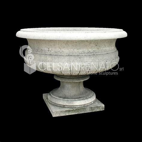 vasi pietra realizzazione di fioriere e vasi in pietra di vicenza