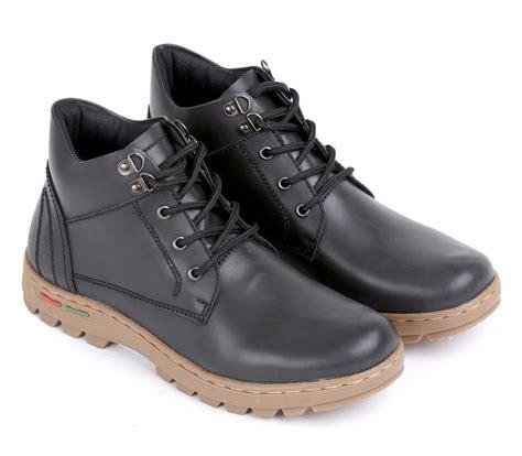 boat shoes bandung sepatu boot terbaru e 156