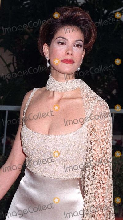 Teri Hatcher At The Golden Globes by Pictures From Golden Globe Awards 1997