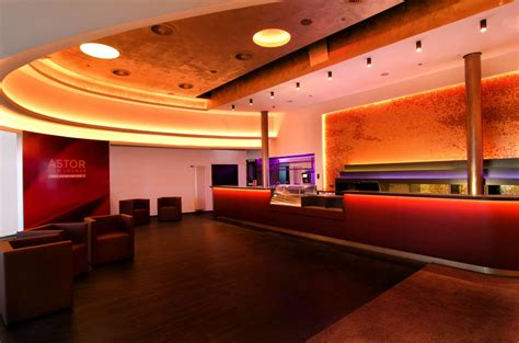 foyer kino astor lounge frankfurt hat ein premium kino