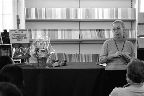 libreria borsatti trieste waithai 174 il massaggio thailandese piede xenia ed