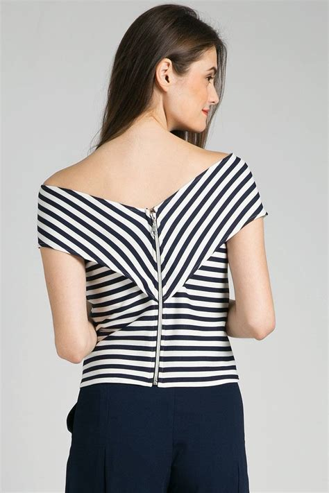 Uq Sabrina Top L sell gedya sabrina top blouse berrybenka