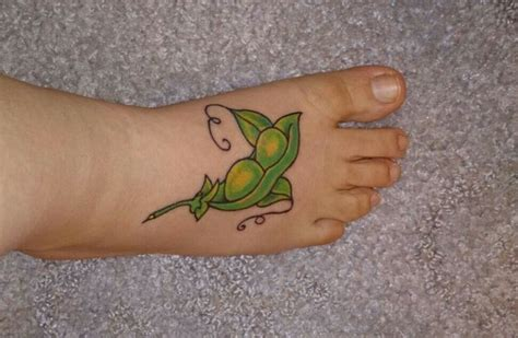 peas in a pod tattoo two peas in a pod for me and my best friend tattoos