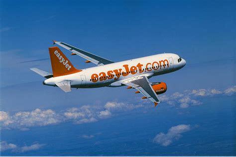 interno aereo easyjet easyjet crash lands into hell diginomica