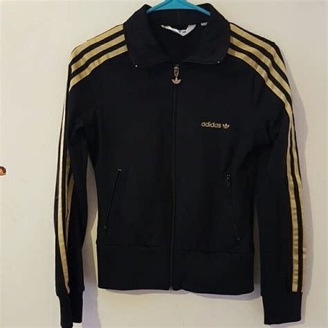 Terlaris Jaket Promo Adidas 3 Kombinasi Navy Jaket Adidas Kekinian 60 adidas outerwear black adidas track jacket with gold stripes from boogie s closet on