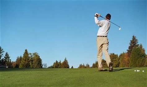 swinging the golf club how to swing like tiger woods his secret gym workout