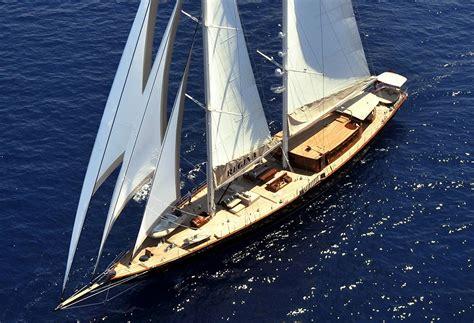 catamaran james bond yacht regina du film de james bond skyfall luxury