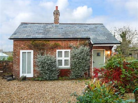 Dorset Self Catering Cottages by Parkfield Cottage In Sturminster Marshall Selfcatering