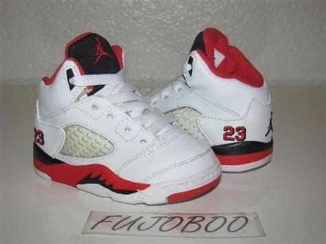 jordans shoes for baby best 25 baby shoes ideas on baby