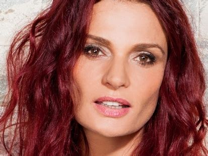 bea smith hair color wentworth danielle cormack danielle cormack partner