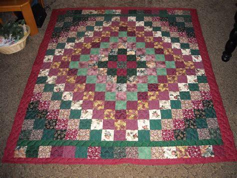 quilt pattern around the world full queen size quilt burgundy green trip around the world