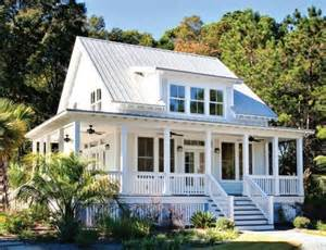 country style homes best 25 low country homes ideas on coastal