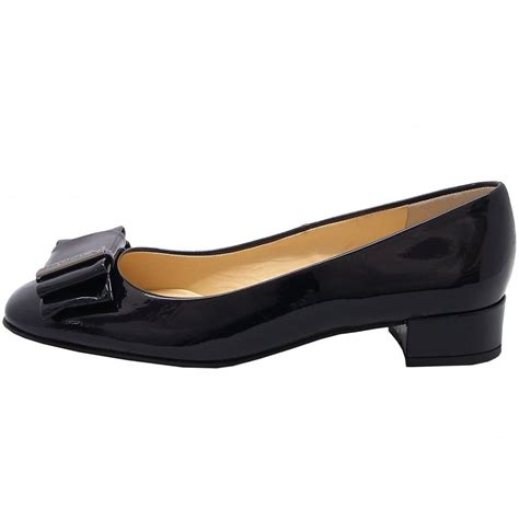 Eunie Shoes kaiser eunice dressy pumps in navy patent mozimo