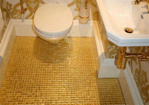 gold badezimmer goldmosaik schubert naturstein