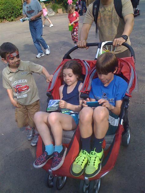 Crib Rental Orlando Fl by Magic Strollers An Orlando Stroller Rental Travels