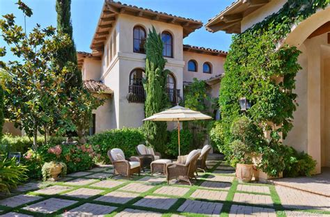 house with courtyard spanish style homes with courtyards wall fountains deisgn