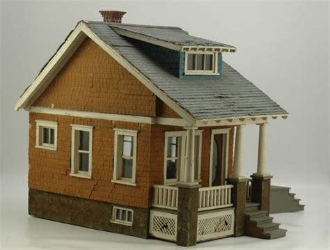 nice doll houses early bungalow doll house cute nice old color and good