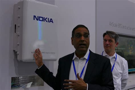 nokia sprint show  massive mimo antenna  boost cell
