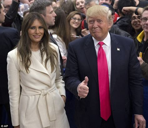 donald trump wife donald trump uses melania and family before iowa caucus