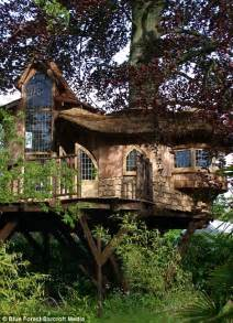 Treehouses At Disney World - now that s a real millionaire play pad the luxury tree houses that sell for 163 250 000 daily