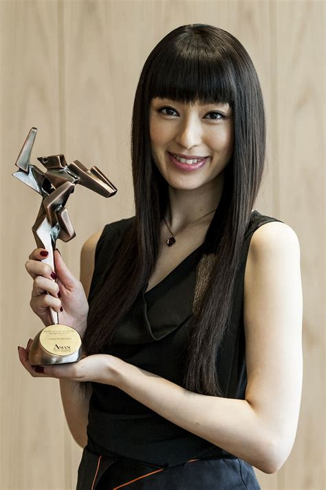 hong kong actress in hollywood japan s chiaki kuriyama wins rising star of asia award in