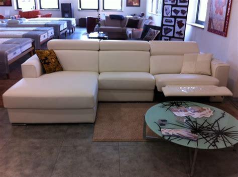 offerta divani in pelle offerta divano in pelle relax divani a prezzi scontati