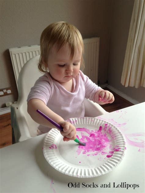 Flowers With Paper Plates - paper plate flowers for toddlers socks and lollipops