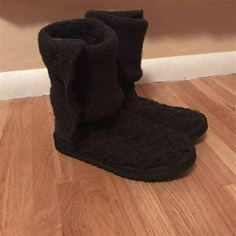 ugg cable knit slippers 56 ugg shoes black cable knit size 8 uggs from